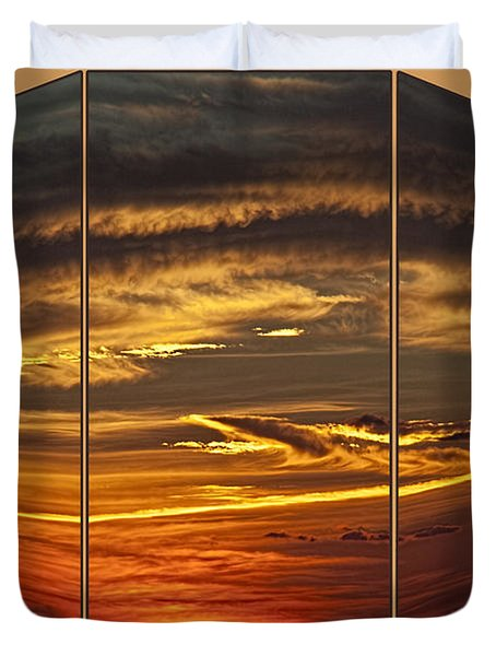 Duvet Cover featuring the photograph Sunset Perspective by Shirley Mangini