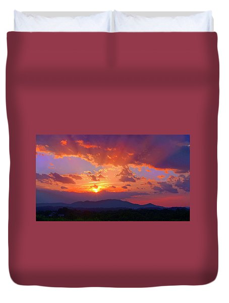 Sunset Rays At Smith Mountain Lake Duvet Cover