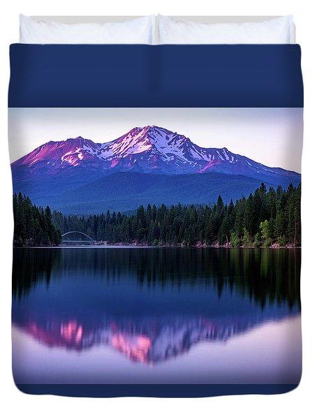 Sunset Reflection On Lake Siskiyou Of Mount Shasta Duvet Cover