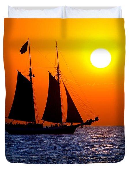 Sunset Sailing In Key West Florida Duvet Cover