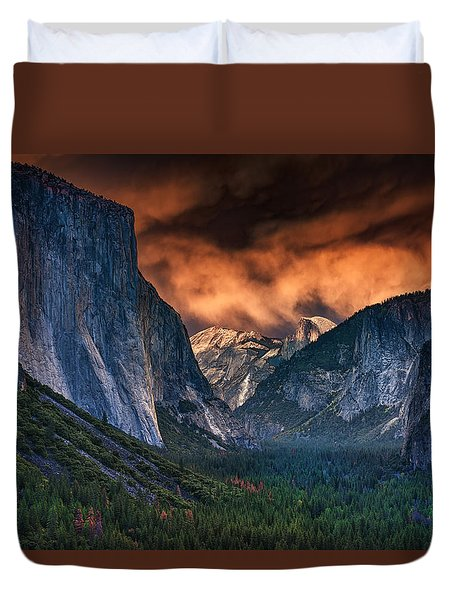 Sunset Skies Over Yosemite Valley Duvet Cover by Rick Berk