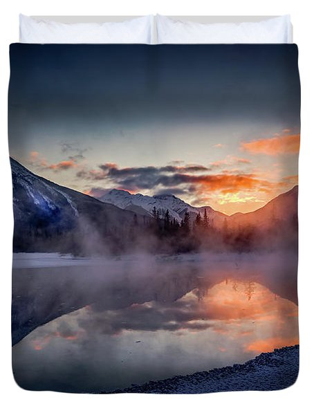 Sunset, Vermilion Lakes Duvet Cover