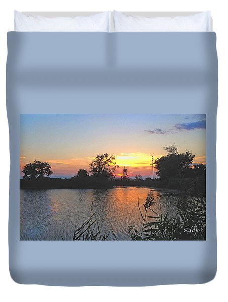 Duvet Cover featuring the photograph Sunset West Of Myer's Bagels by Felipe Adan Lerma