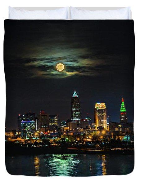 Super Full Moon Over Cleveland Duvet Cover
