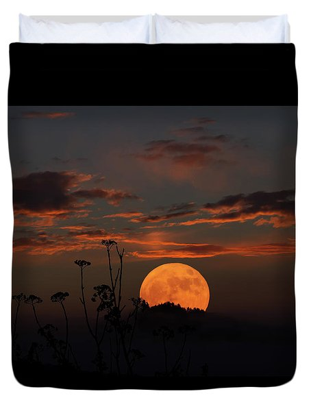 Super Moon And Silhouettes Duvet Cover by John Haldane