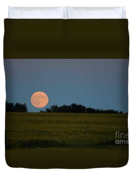 Duvet Cover featuring the photograph Super Moon Over A Bean Field by Mark McReynolds