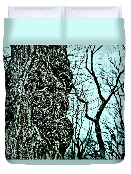 Duvet Cover featuring the photograph Super Tree by Sandy Moulder