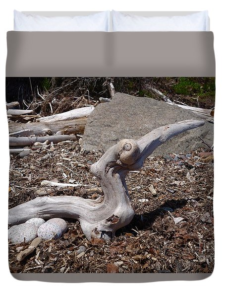 Duvet Cover featuring the photograph Superior Driftbird On Nest by Sandra Updyke