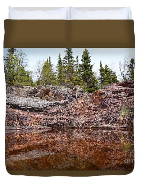 Duvet Cover featuring the photograph Superior Rock Reflections #2 by Sandra Updyke
