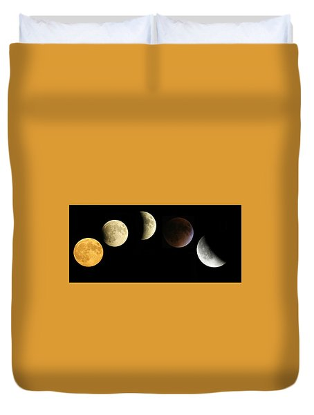 Supermoon Total Lunar Eclipse Duvet Cover