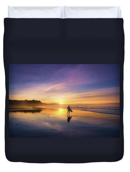 Surfer In Beach At Sunset Duvet Cover
