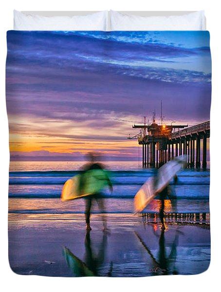 Surfers At Scripps Pier In La Jolla California Duvet Cover
