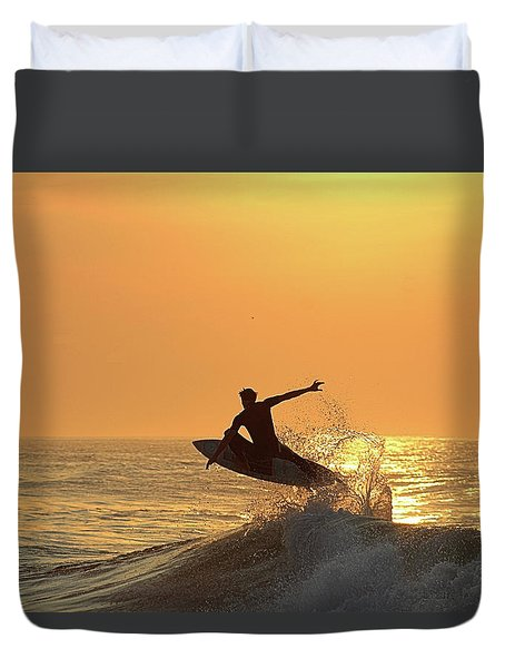 Duvet Cover featuring the photograph Surfing To The Sky by Robert Banach