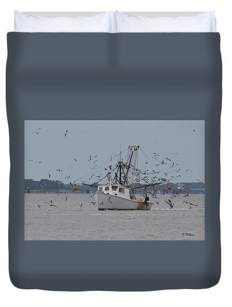 Surrounded By Gulls Duvet Cover