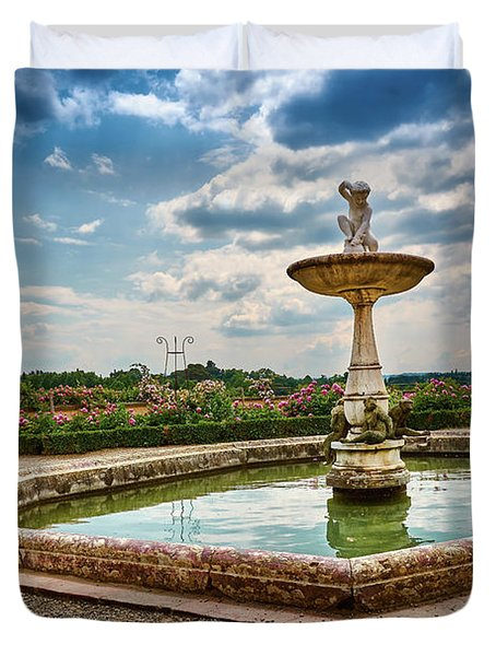 The Monkeys Fountain At The Gardens Of The Knight In Florence, Italy Duvet Cover