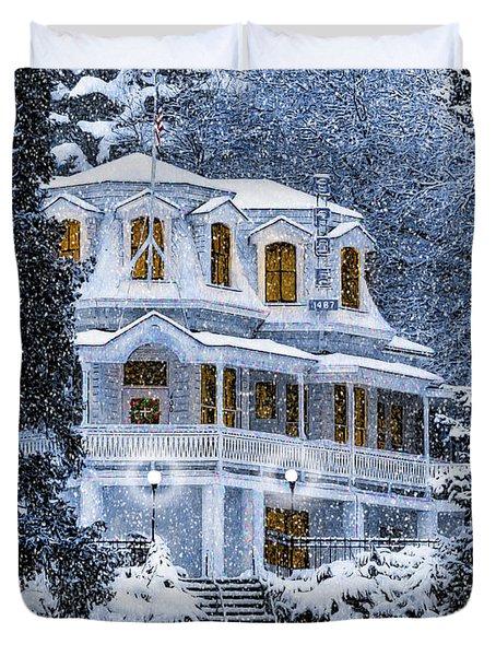 Susanville Elks Lodge At Christmas Duvet Cover