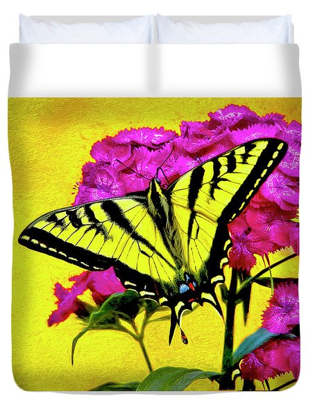 Swallow Tail Feeding Duvet Cover
