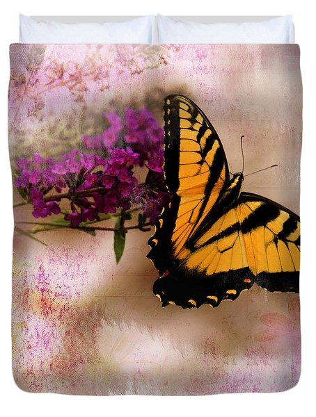 Swallow Tail Full Of Beauty Duvet Cover