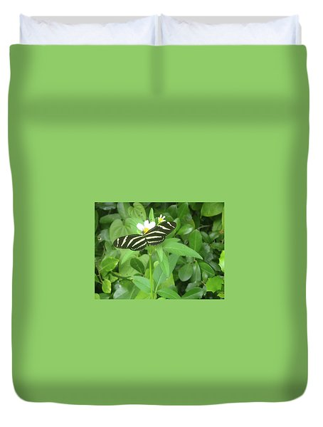 Swallowtail Butterfly On Leaf Duvet Cover
