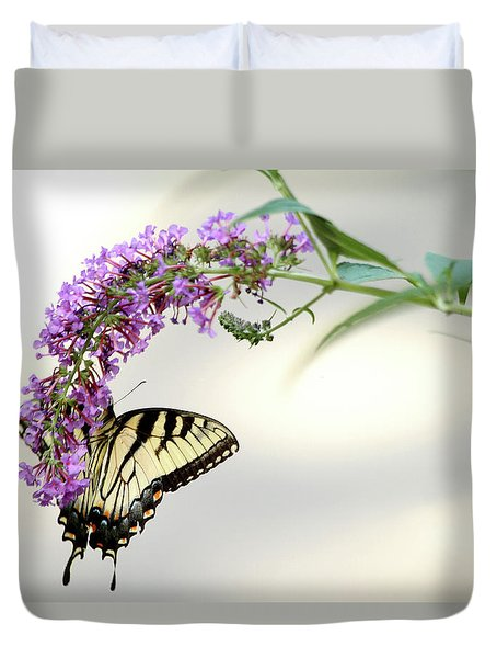 Swallowtail On Purple Flower Duvet Cover