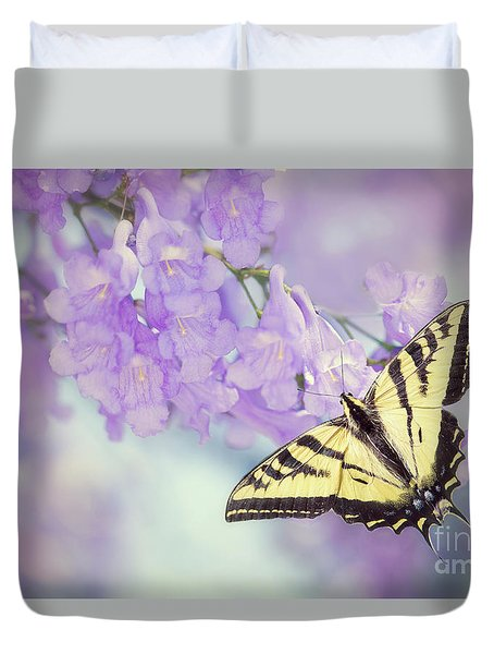 Swallowtail On Purple Flowers Duvet Cover