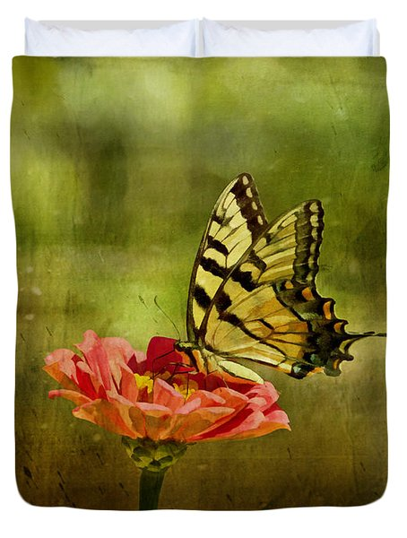 Swallowtail On Zinnia Duvet Cover