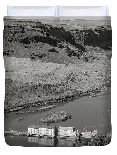 Swan Falls Dam Duvet Cover
