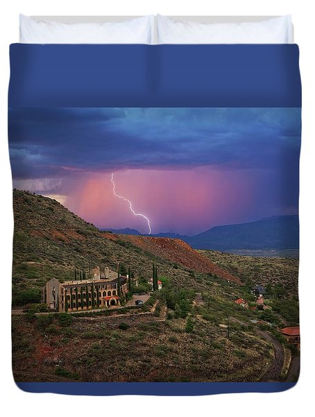 Sycamore Canyon Lightning With Little Daisy Duvet Cover