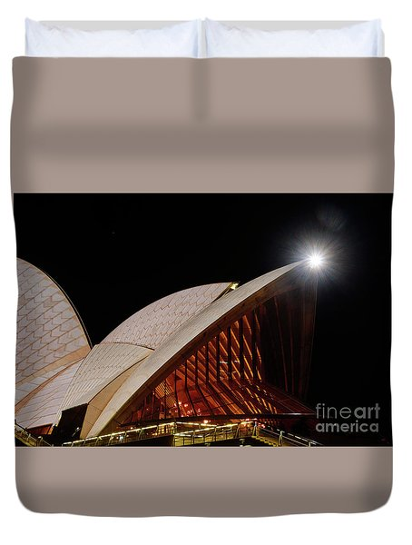 Duvet Cover featuring the photograph Sydney Opera House Close View By Kaye Menner by Kaye Menner