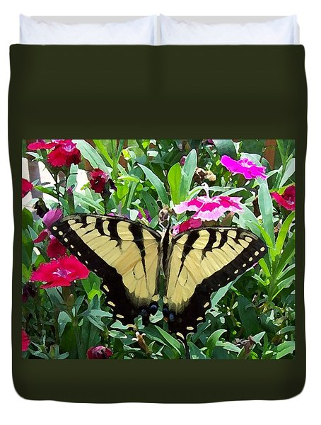 Duvet Cover featuring the photograph Symmetry by Sandi OReilly
