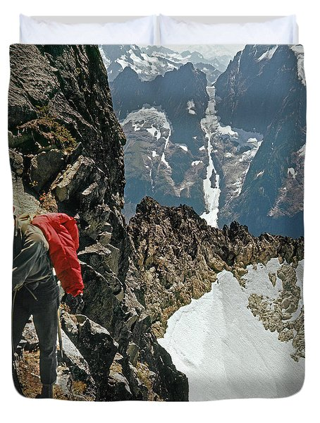 T-04403 Walt Buck Sellers On First Ascent Of Mt. Torment Duvet Cover