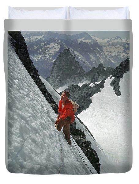 T-202707 Eric Bjornstad On Howser Peak Duvet Cover