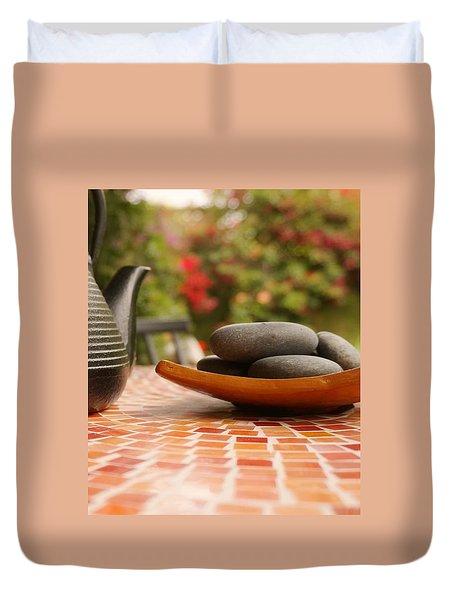 T-pot And Pebbles Duvet Cover