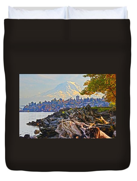 Duvet Cover featuring the photograph Tacoma In The Fall by Jack Moskovita