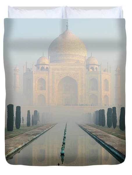 Taj Mahal At Sunrise 02 Duvet Cover