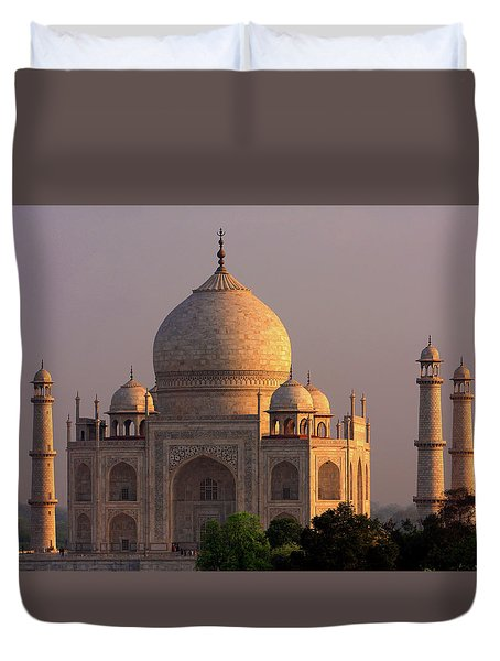Taj Mahal Sunset Duvet Cover by Aidan Moran