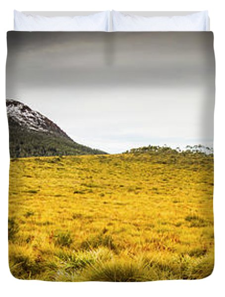 Tasmania Mountains Of The East-west Great Divide  Duvet Cover