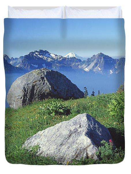 1m4862-tatoosh Range And Mt. St. Helens  Duvet Cover