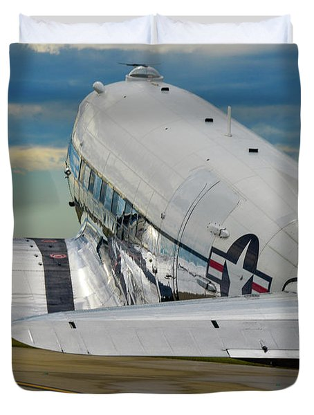 Taxiing To The Active Duvet Cover