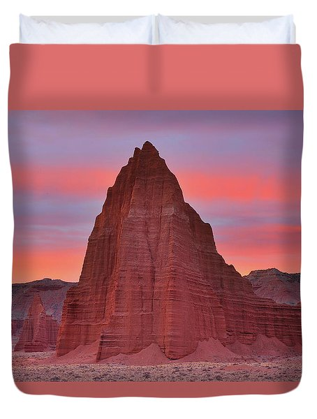 Temple Of The Sun And Moon At Sunrise At Capitol Reef National Park Duvet Cover