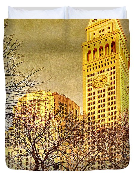 Ten Past Four At Madison Square Park Duvet Cover