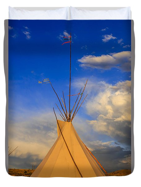 Tepee At Sunset In Montana Duvet Cover by Chris Smith