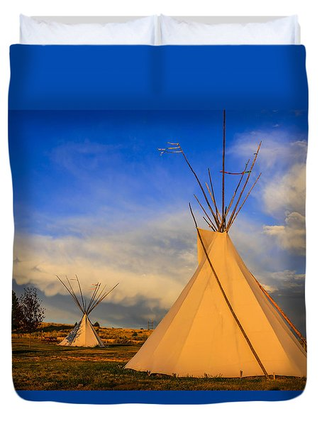 Tepees At Sunset In Montana Duvet Cover by Chris Smith