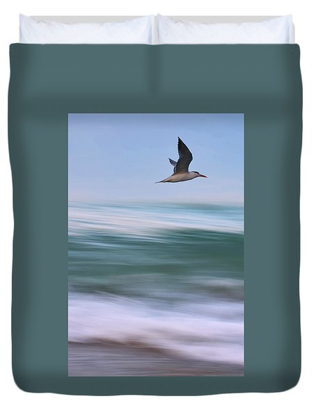 Duvet Cover featuring the photograph Tern Flight Vert by Laura Fasulo
