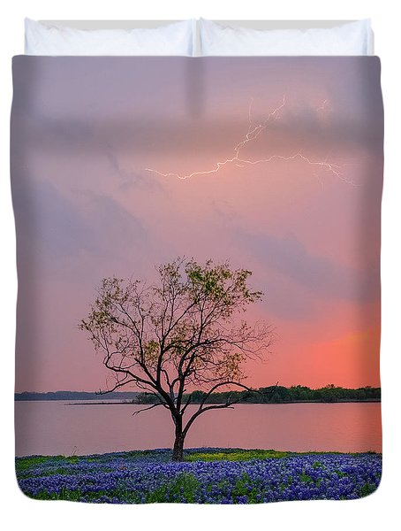Texas Bluebonnets And Lightning Duvet Cover