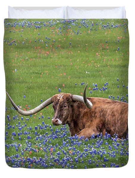 Texas Longhorn And Bluebonnets Duvet Cover
