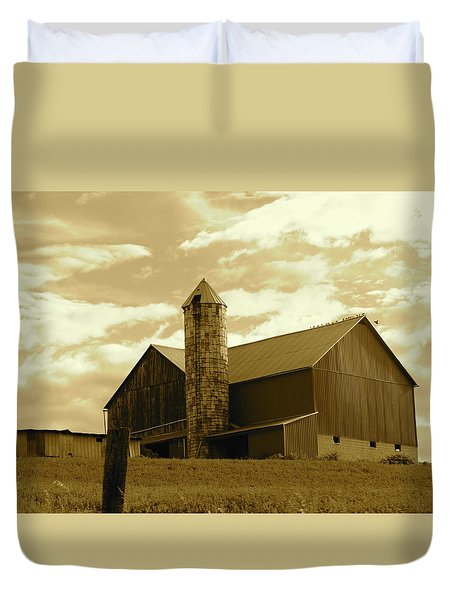 The Amish Silo Barn Duvet Cover