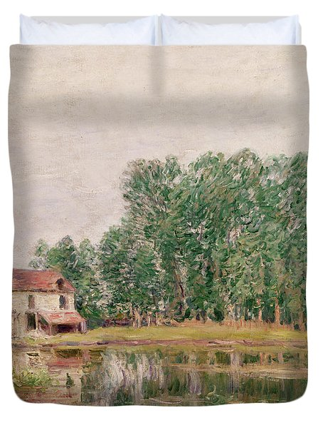 The Banks Of The Canal At Moret Sur Loing Duvet Cover by Alfred Sisley