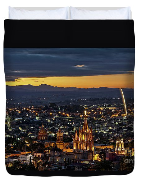 The Beautiful Spanish Colonial City Of San Miguel De Allende, Mexico Duvet Cover