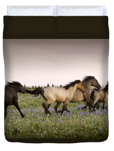 The Chase 1 Duvet Cover